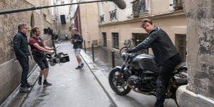Mission: Impossible – Fallout, Tom Cruise sfreccia in moto per Parigi in una featurette italiana
