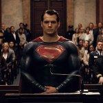 Superman: la criptica reazione di Henry Cavill alle indiscrezioni dell'Hollywood Reporter