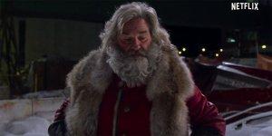 Qualcuno Salvi il Natale: Kurt Russell e Chris Columbus raccontano la loro favola natalizia in una featurette