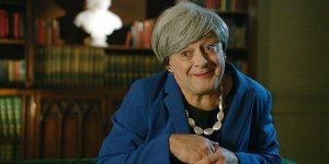 Theresa May come Gollum in un video con Andy Serkis!