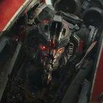 Bumblebee: il protagonista contro un Decepticon in una nuova clip