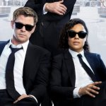 Men in Black International: Chris Hemsworth e Tessa Thompson in azione nei primi due trailer
