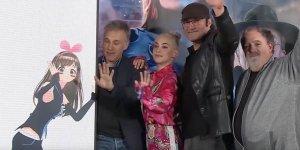 Alita: Angelo della Battaglia, il cast interagisce con una Idol virtuale durante il tour promozionale in Giappone