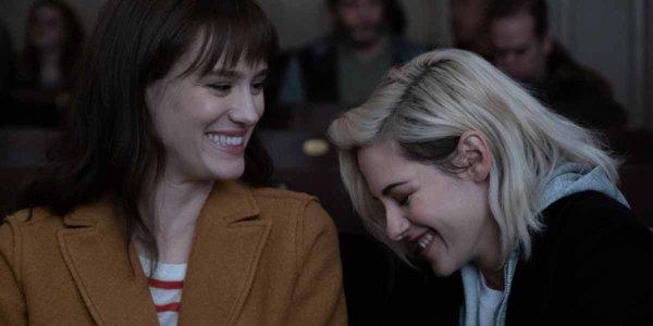 Kristen Stewart e Mackenzie Davis Happiest Season