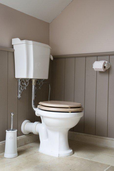 Klassieke badkamers in verschillende stijlen  Taps  Baths