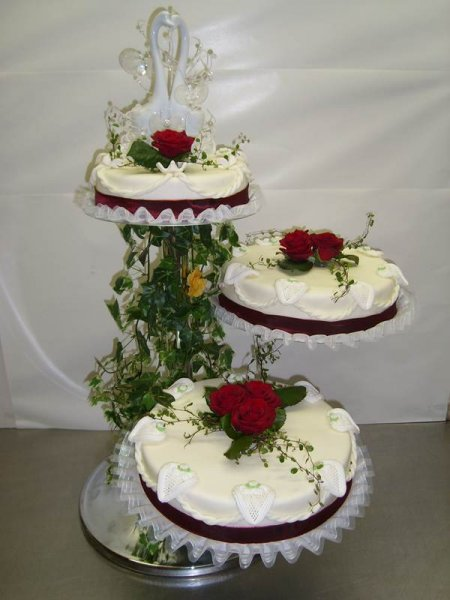 Hochzeitstorten nach Ihren Wnschen  aus der hauseigenen