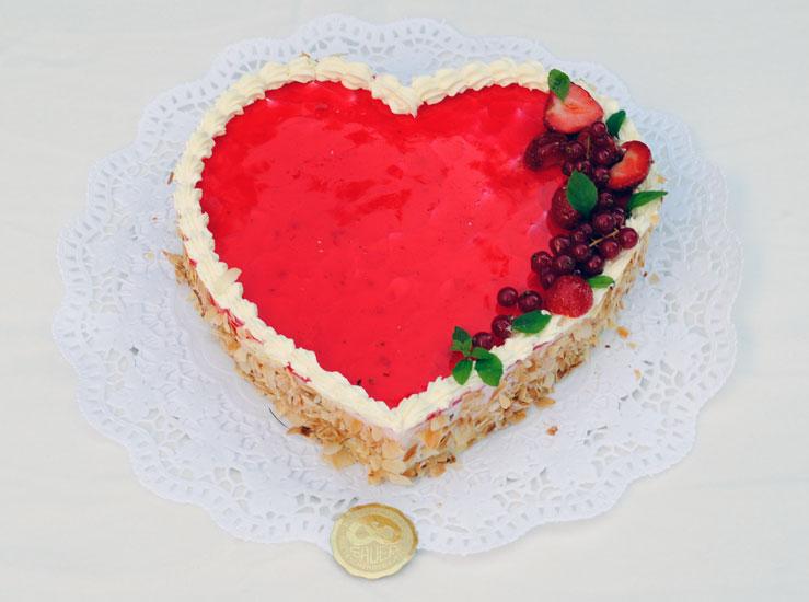 Hochzeitstorte Fruchte Herz  Hochzeit