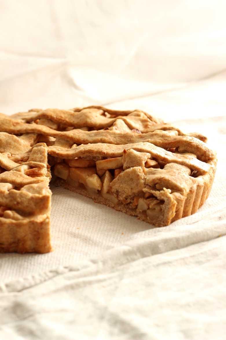 American Apple Pie mit Dinkelvollkornmehl