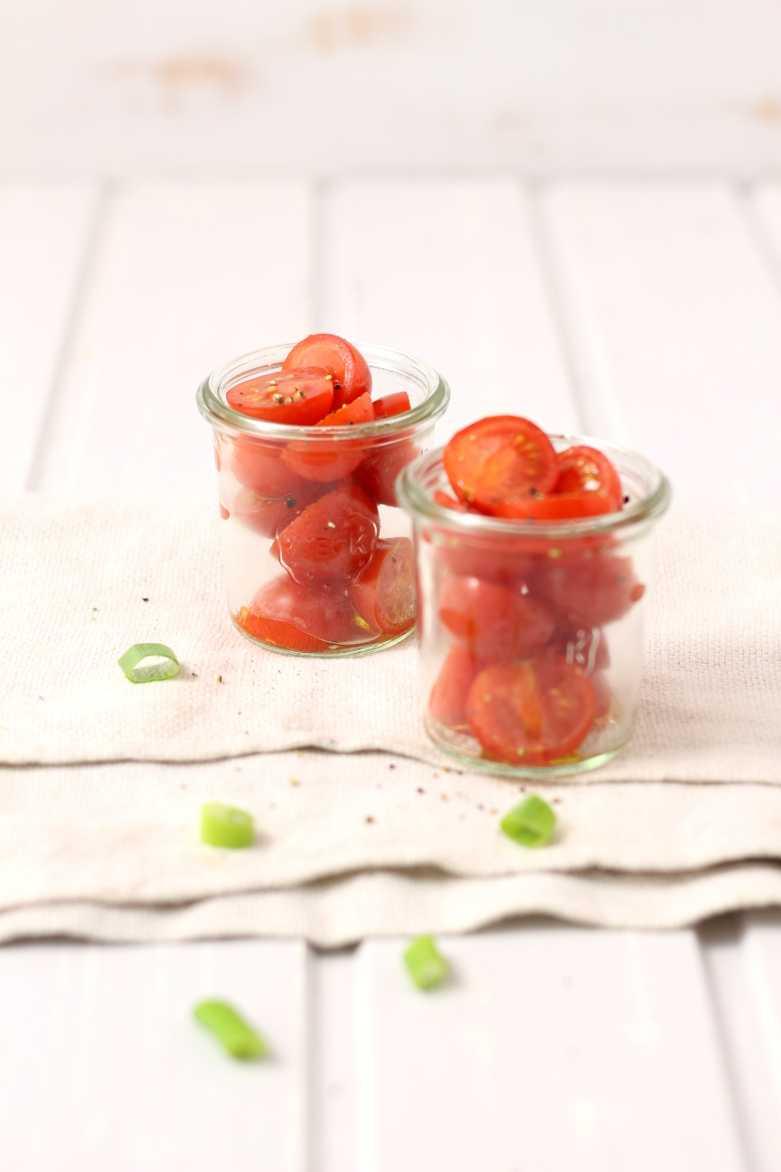 Tomatensalat für orientalisches Fondue