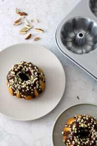 Mini Mandel Gugelhupf Rezept | bäckerina.de