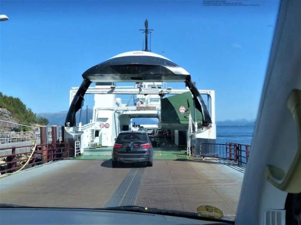 Viele teure Fähren in Norwegen zwischen den Fjorden.
