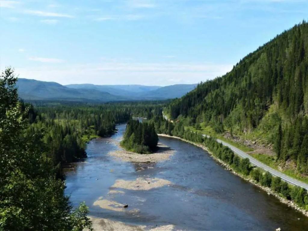 Skandinavien. Wilde Flüsse und weite Landschaften.