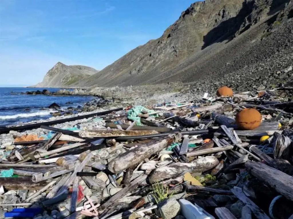 Müll und Plastik an der Küste Nordkinn am Kinnarodden