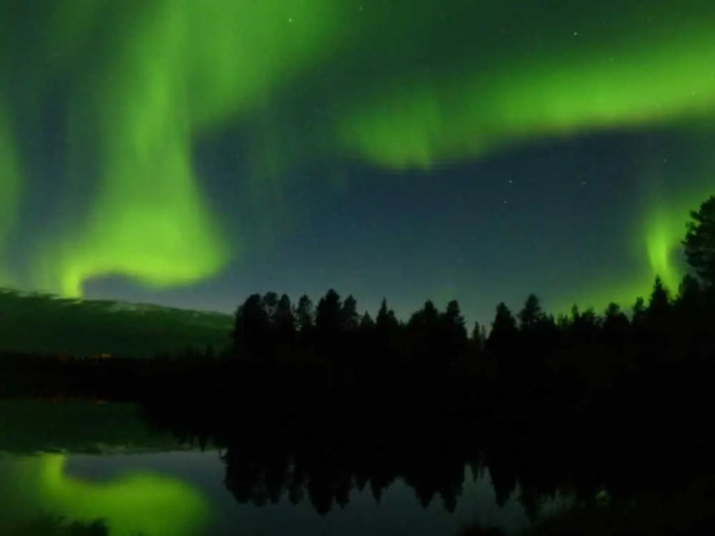 Polarlichter in Finnland im Herbst