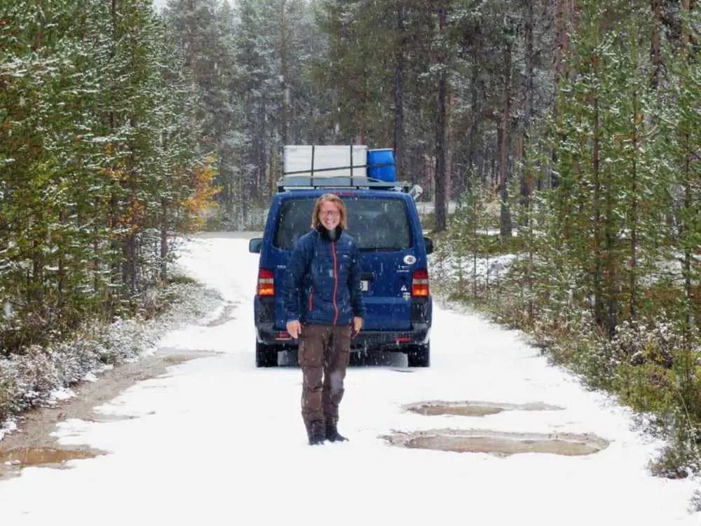 Schnee im Herbst in Finnland
