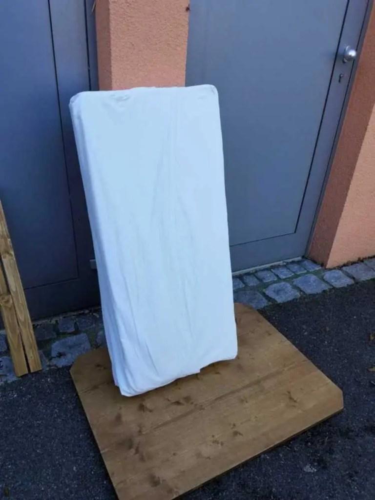 Matratze für den Camper selber zerschneiden