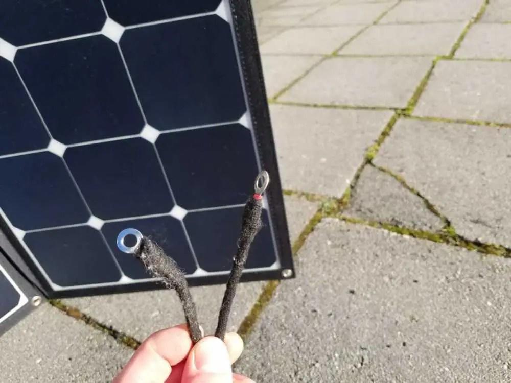 Faltbares Solarmodul an die Bordbatterie im Wohnmobil anschließen