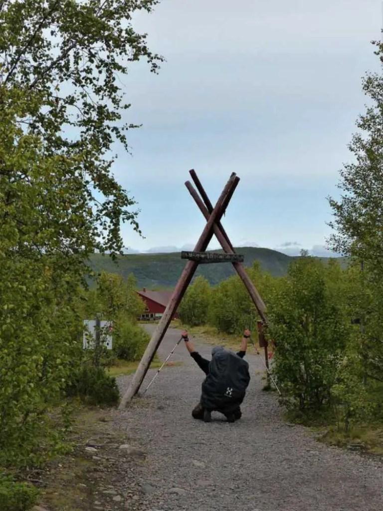 Trekking-Tour von Abisko nach Nikkaluokta. Das Ziel auf dem Dag Hammarskjöldsleden.