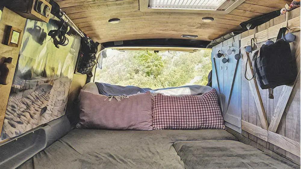 Bett und Tisch in den Camper selber einbauen Bären Squad