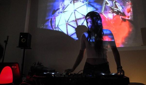 taller DJ jovenes