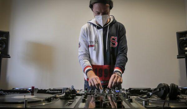 Cursos DJ y Producción Baffle DJs