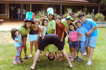 Resorts Para Crianças dourado