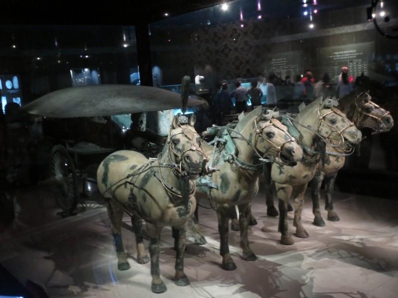 Esculturas em bronze também encontradas nas escavações