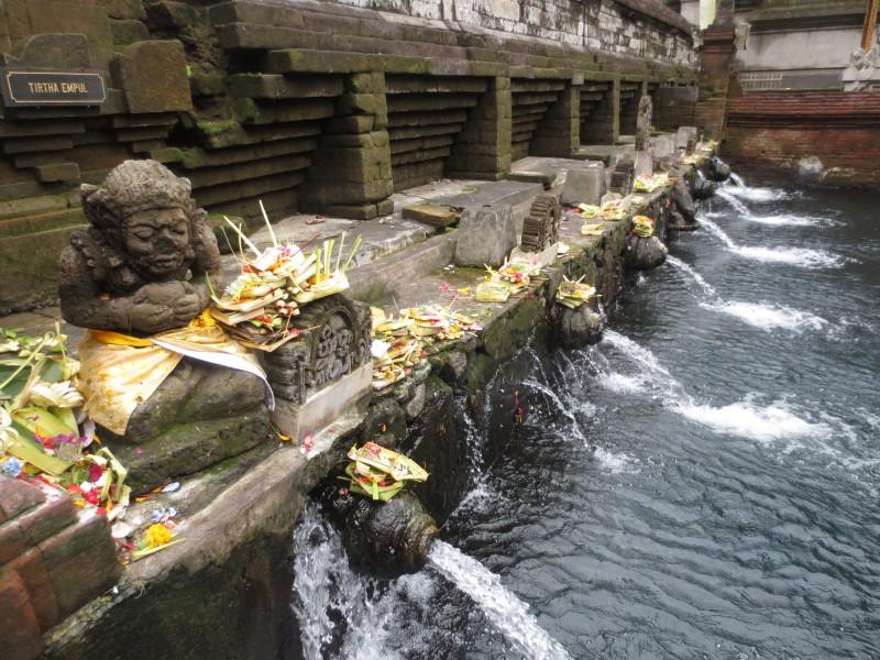 Templo-tirta-empul-Bali