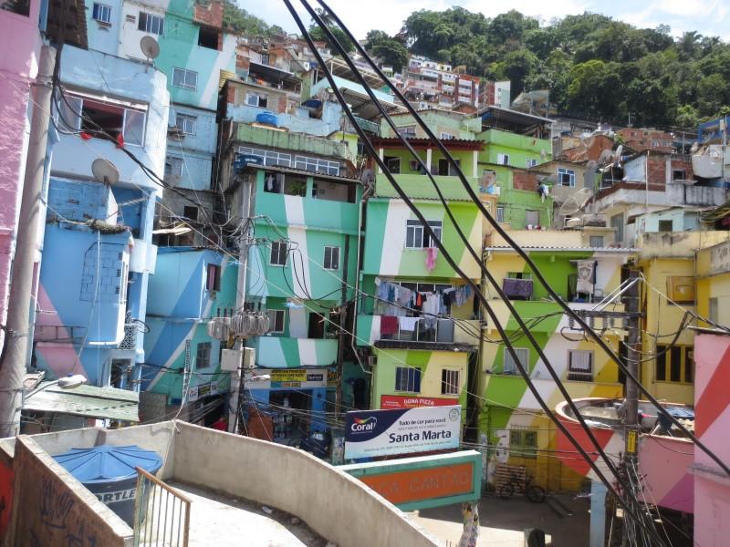 favela tour RJ_praca do cantao