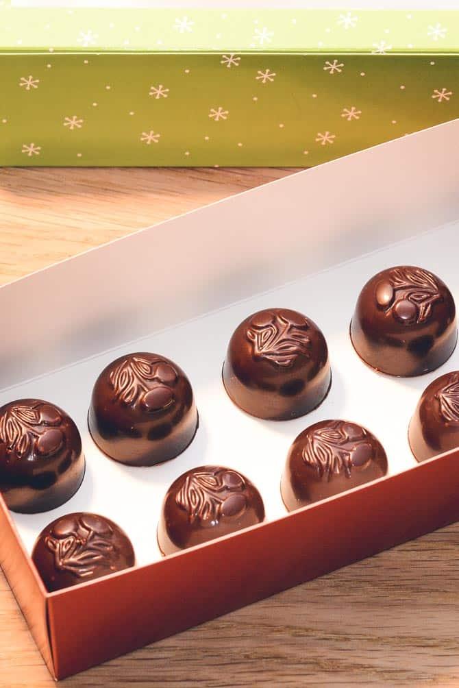 Fyldte chokolader med karamel fra Bageglad