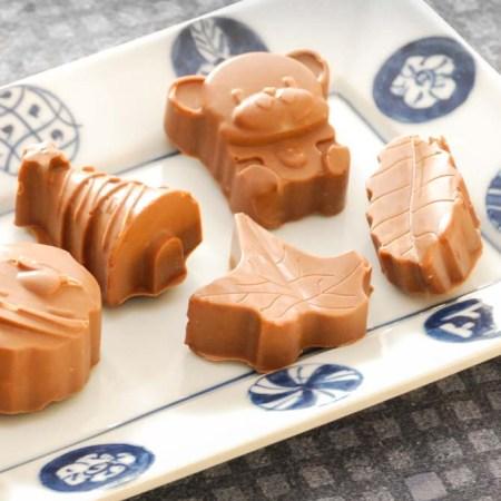 Chokolade konfekt med knas fra Bageglad