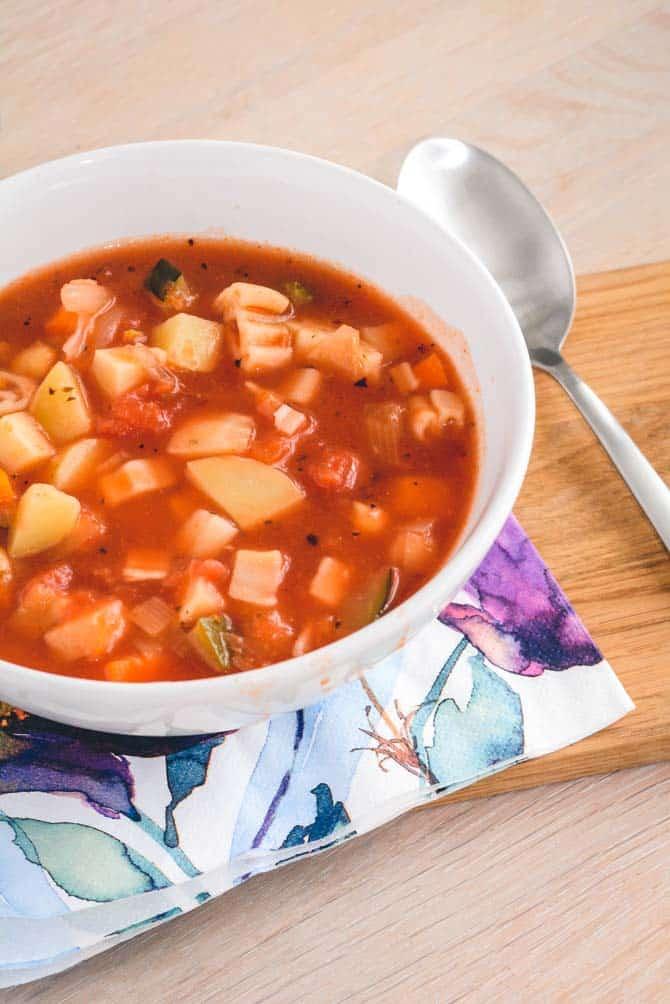 Minestrone suppe opskrift fra Bageglad