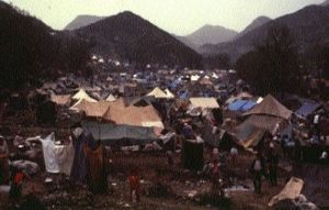 Hundreds of thousands of Kurds were displaced in mountains in March-April 1991.