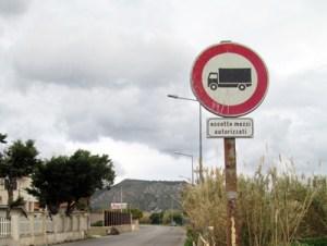 Dopo Ficarazzi anche Aspra chiude il passaggio per i tir Sarà autorizzato solo il transito per il trasporto delle merci per le imprese ittiche