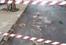 Aspra: Per il nubifragio chiuso corso Baldassarre Scaduto per la rottura di un tubo si solleva il manto stradale.