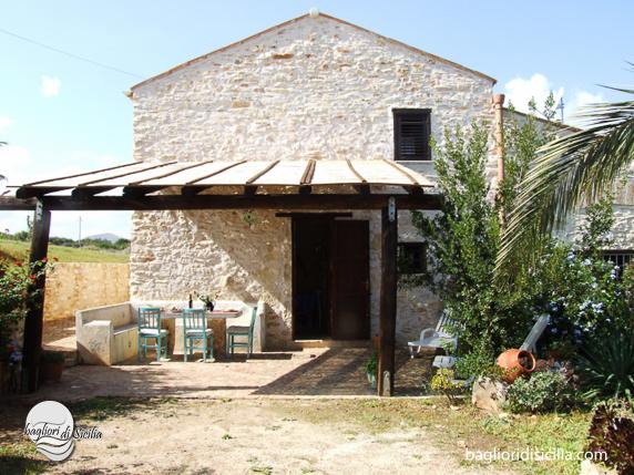 La pietra e il calcestruzzo sono alternative ideali tra i pavimenti rustici per case di campagna. Ristrutturare Rustico In Pietra Quali Step Seguire Casa In Pietra Rudere Bagliori Di Sicilia