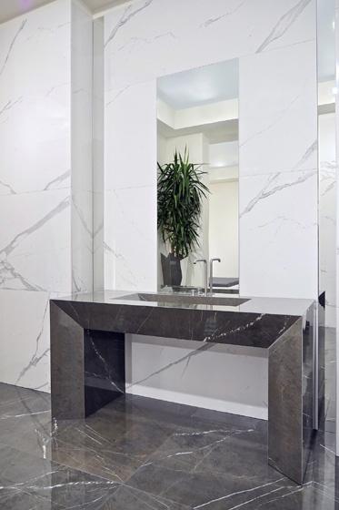 Gres porcellanato effetto marmo Marmoker  Statuario GrigioGrafite  Casalgrande Padana