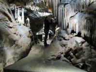 Die Dechenhöhle ist eine echte Tropfsteinhöhle.