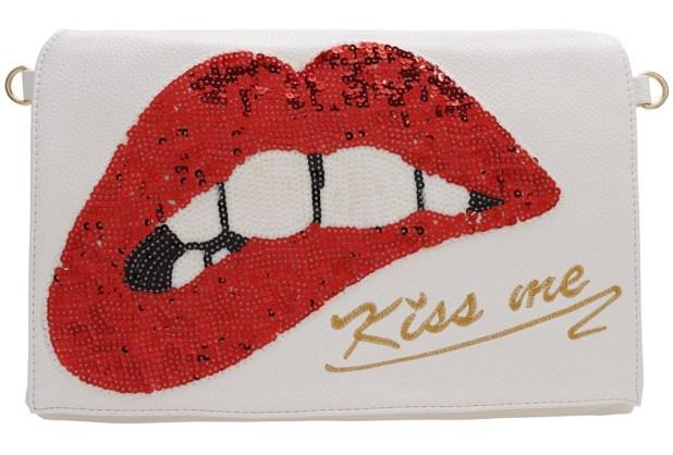 Zooomberg Kiss Me Clutch