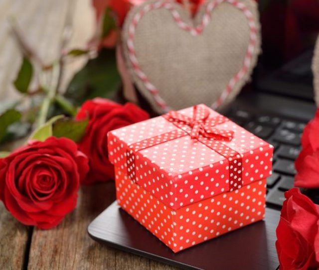 What You Should Get Your Girlfriend For Valentines Day