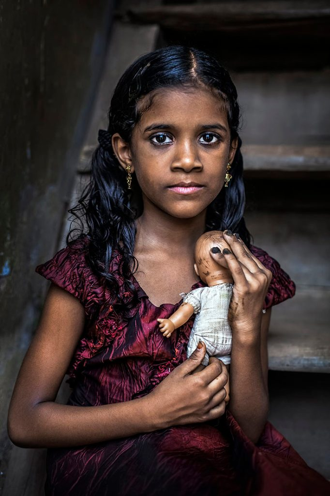 GIRL_WITH_HER_ DOLL_ IN_KERALA