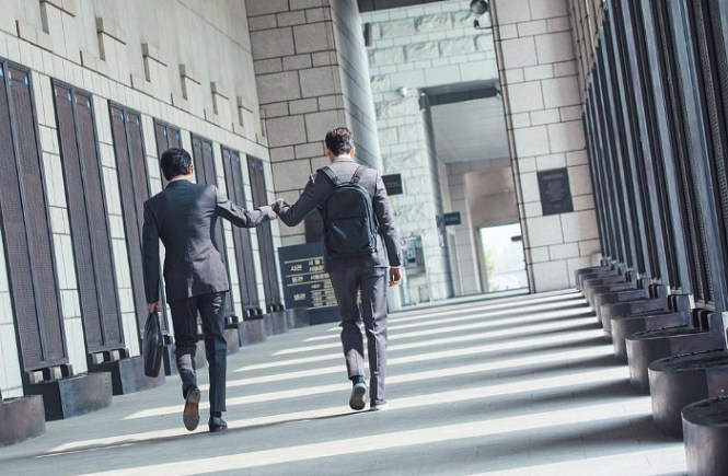 Live recap for episode 2 of the Korean Drama Suits starring Jang Dong-gun and Park Hyun-sik