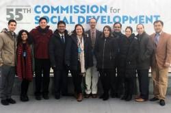 La délégation de la CIB à la 55e Commission pour le développement social. De gauche à droite : Aaron Dahm, Yasmin Roshanian, Eric Farr, Rodrigo Lemus, Bita Correa, Mark Scheffer, Nava Kavelin, Arash Fazli, Saphira Rameshfar, Daniel Perell et Serik Tokbolat.
