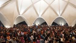 Environ 5 000 invités ont participé à une célébration au temple de New Delhi, en Inde.