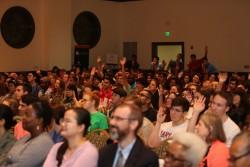 La conférence annuelle a attiré plus de 370 personnes, y compris des membres du corps professoral et du personnel de l'université du Maryland, College Park, ainsi que des invités de marque provenant de tout le pays. Parmi le public se trouvaient également de nombreux étudiants universitaires. « Nous avons vu comment cette série sur le racisme structurel et les racines des préjugés a fait écho aux aspirations de nombreux étudiants sur le campus qui souhaitent une société plus juste et plus unifiée », a expliqué M. Mahmoudi.