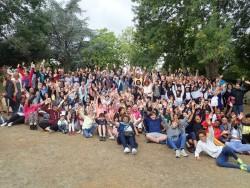 Photo de groupe des participants à l'école d'été aux Jardins de l'Anjou à La Pommeraye, près d'Angers