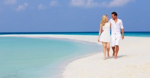 Bahamas day trip from Miami and Florida. Week long Bahamas Cruises and Island Hopping Tours by Bahamas Air Tours.
