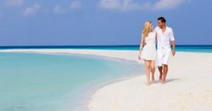 Bahamas day trip from Miami and Florida. Week long Bahamas Cruises and Island Hopping Tours by Bahamas Air Tours.