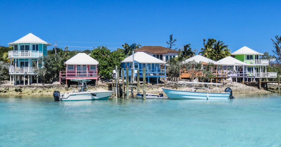Staniel Cay Yacht club in the Exuma Cays is a luxury boutique hotel on Staniel Cay with private cottages. Perfectly situated for visiting the Exuma pigs, swimming pigs and Thunderball Grotto. Fly from Florida to Bahamas and land at Staniel Cay Yacht club.