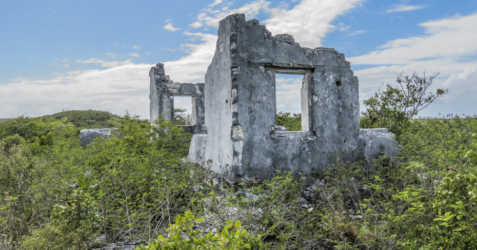 Watlings castle San Salvador Bahamas, plantation ruins. Stay at one of the San Salvador Bahamas resorts and take a Bahamas tour around San Salvador island.